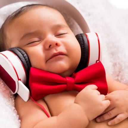 Como a música auxilia na evolução da criança